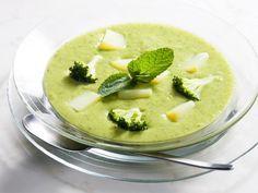 brocoli, courgette, ail, bouillon, poivre, eau, chèvre, crême fraîche