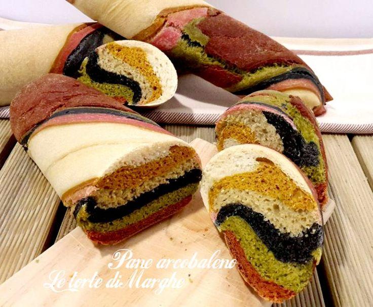 Oggi facciamo il pane arcobaleno colotato, profumato e morbidissimo. Di Sara Papa tratta dal libro Tutta la bontà del pane: il pane arcobaleno, realizzato con nero di seppia, paprika, concentrato di pomdoro, spinaci, curcuma.