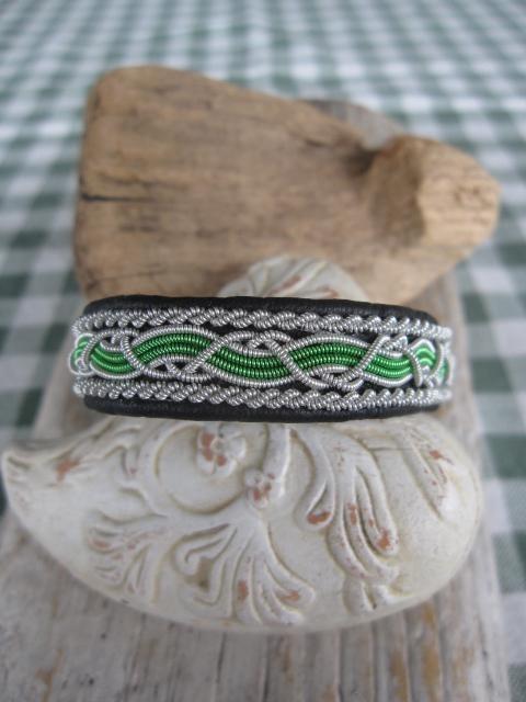 Tennarmband, sameslöjd på Tradera. Läder | Armband | Smycken