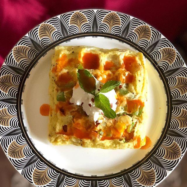 وجبة فطور المقادير بيض ملعقة ذرة ملعقة فلفل رومي ملعقة حليب ملح وفلفل اسود الطريقة اخفق وجبة فطور المقادير بيض ملعقة ذرة مل Food Breakfast Eggs
