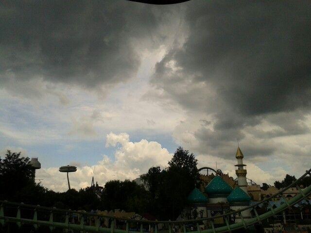 Ma???? Che fa ???? Vuole piovere???