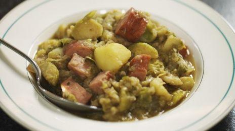 Eén - Dagelijkse kost - hutsepot van spruitjes met rookworst (of savooikool ipv spruiten zoals Mme Zsazsa)