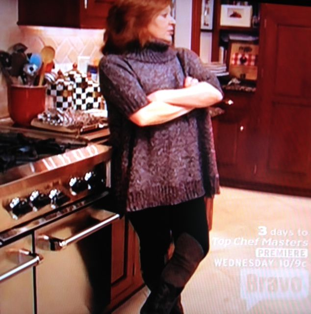 Caroline Manzo's Short Sleeve Sweater http://www.bigblondehair.com/real-housewives/rhonj/caroline-manzos-short-sleeve-sweater/