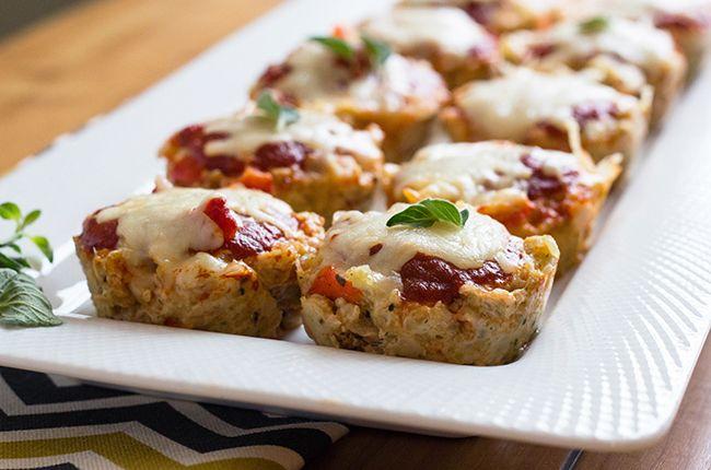 Chicken Parmesan Meatloaf Muffins / Skinny Mom (egg, breadcrumbs, garlic bell pepper, onion, Mozzarella, marinara)