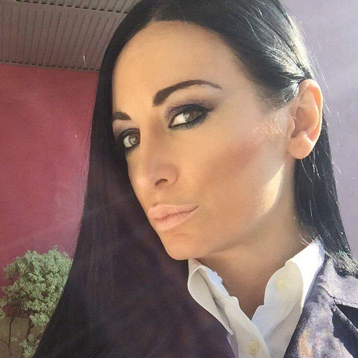 Friday #marketing #madeinitaly #privatelabel #brend #in #mylove #milan #naturalhair #nationalcoffeeday #innout #relax #teachersfollowteachers #time #readytogo #reginasalagarovatime #reginasalpagarova #salpagarovaregina #salpagarovareginablog #salpagarovareginafoto #salpagarovareginamodel #