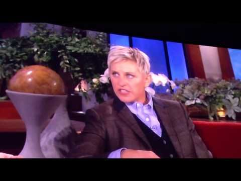 ▶ Ellen asking Keith Urban about everything Australian - YouTube