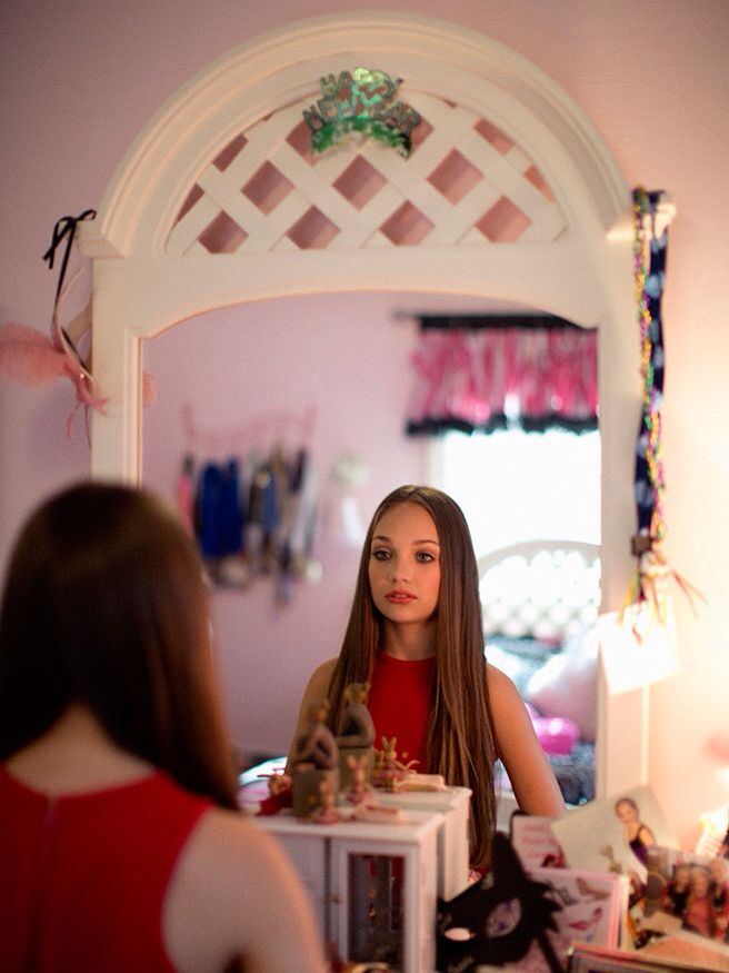 She s Just a Girl  Maddie Ziegler Off Stage and at Home in Pittsburgh. Best 25  Maddie ziegler instagram ideas on Pinterest   Girl