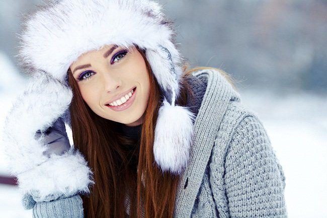 Легкие и удобные зимние прически под головные уборы!