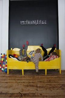 Kinderkamer zwart/geel