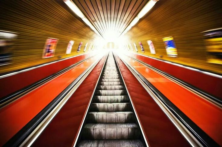 Namesti Miru Metro