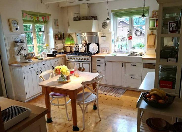 L'immagine può contenere: cucina e spazio al chiuso