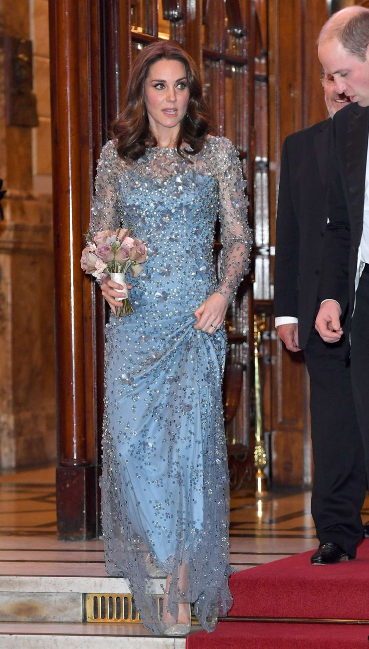 3923 best Royal Ballgowns images on Pinterest | Princesses, Queen ...