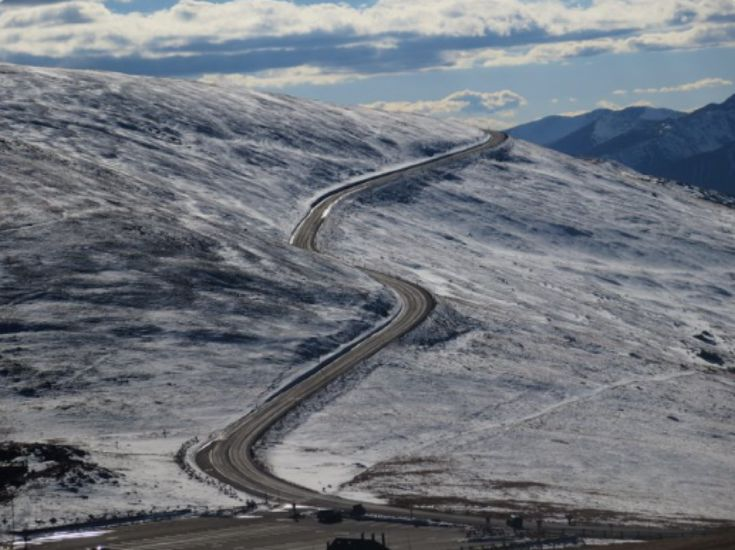 """Rocky Mountain National Park has opened its spectacular Trail Ridge Road to cyclists and pedestrians for the next month or so. It's a heck of a ride: 3,000 vertical feet of climbing if you start at the Kawuneeche Visitor Center on the west side, even more from Beaver Meadows Visitor Center near Estes Park. The … Continue reading """"You can bike Trail Ridge Road with no traffic for the next month"""""""