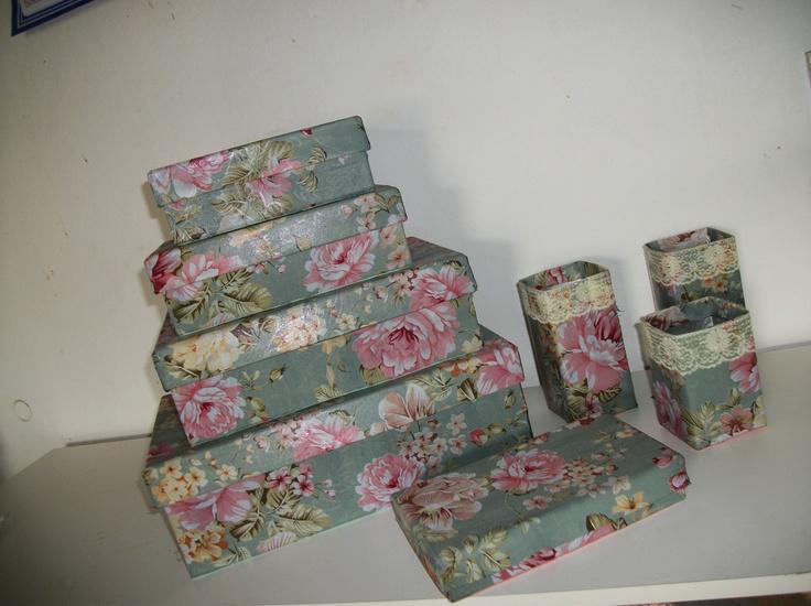 Caixas cobertas com tecidos