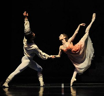 SF Ballet tickets for 2012 season. They will be doing 'Romeo and Juliet' next March, amongst other story ballets and mixed programs. I would LOVE tickets to this.  Thank you, Scott!!! <3 omg, soooo excited!!