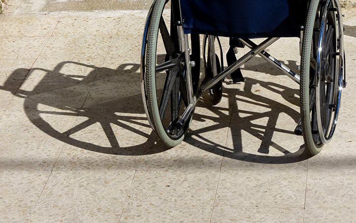 Eine schwedische Rollstuhlfahrerin soll einer Gruppenvergewaltigung zum Opfer gefallen sein, wie internationale Medien berichten. Als mutmaßliche Täter gelten sechs Asylbewerber.