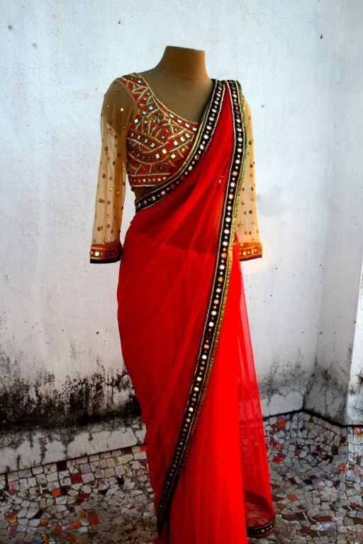 Beautiful Saree and Choli Blouse by Arpita Mehta w/ Kutchi mirror work embriodery on her Site http://arpitamehta.in/ - https://www.facebook.com/pages/Arpita-Mehta/482620718455205