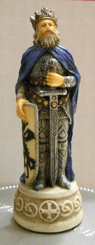 FOR SALE - Arthur Blue King Arthur's Court Chess Set 916 Replacement Piece Excalibur Resin