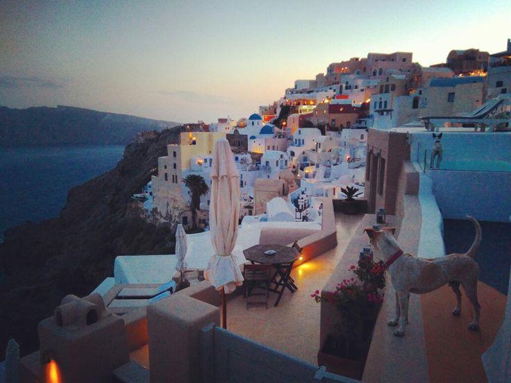 Na tutejsze zachody słońca można liczyć. Dzisiejszy też urywał ;) #oia #santorini