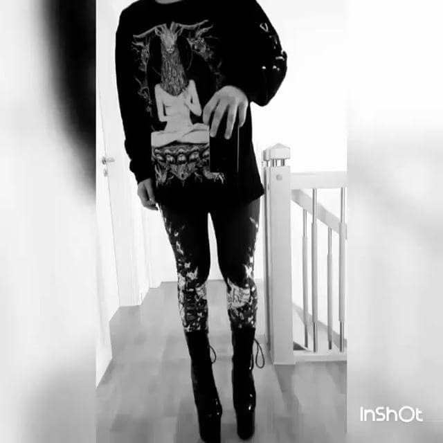 "Melina Malicious rocking our ""TEM.ple O.mnium H.ominum P.ads AB.ba"" Longsleeve Tall Tee & ""Aske Til Aske"" Leggings Available at www.crmcclothing.co | WE SHIP WORLDWIDE #metalgirl #metalchick #altgirl #picoftheday #instalike #instametal #instalove #love #metal #altfashion #streetwear #fashiongram #fashionista #fashionoftheday #picoftheday #photooftheday #crmcclothing #stylefashion #igers #love #beautiful #fashion"