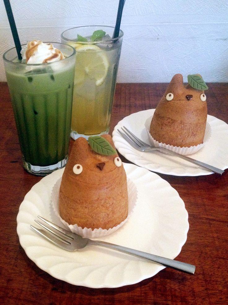 Shirohige Totoro Cream Puff Café, Shimokitazawa, Tokyo,Japan  I want to go to Tokyo so bad!!