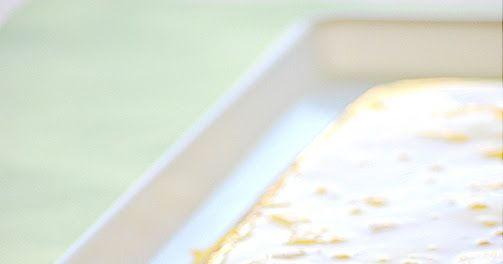 Όχι απλά άλλο ένα κομμάτι γλυκό… ΚΟΜΜΑΤΟΣ!!! Υλικά 2 φακελάκια φρουί ζελέ με γεύση ανανά 2 ποτήρια ζεστό νερό 2 κ.σ. ζάχαρη (προαιρετικά) 2 ...
