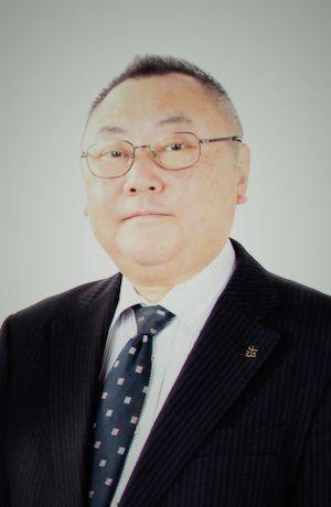 ゲスト◇稲畑 廣太郎(Kotaro Inahata)1957年、俳人・高浜虚子の曾孫として兵庫県芦屋市に生まれ、 幼少の頃より俳句に親しむ。1982年、甲南大学経済学部を卒業し合資会社ホトトギス社に入社、本格的に俳句を志す。1988年、ホトトギス同人及び俳誌「ホトトギス」編集長に就任。2000年、財団法人虚子記念文学館理事。2001年、社団法人日本伝統俳句協会常務理事。2007年、「ホトトギス」副主宰を務める。句集に『廣太郎句集』『半分』『八分の六』。 2013年、「ホトトギス」創刊1400号の節目に、「ホトトギス」主宰に就任。著書に『曽祖父(ひいじいさん)虚子の一句』。