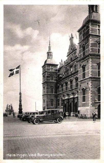 Udenfor Stationen i 1939