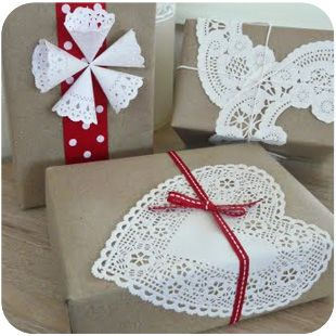 packaging: Kraft Paper, Christmas Gifts Wraps, Giftwrap, Gifts Ideas, Paper Doilies, Valentines Day, Creative Gifts Wraps, Christmas Wraps, Wraps Ideas