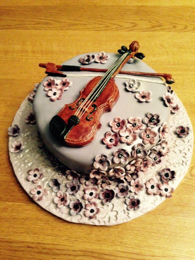 Best 25 violin cake ideas on pinterest music birthday for Violin decorating ideas