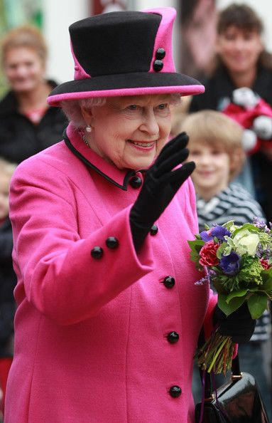 The Queen opening The Keep in Brighton 31 Oct 2013