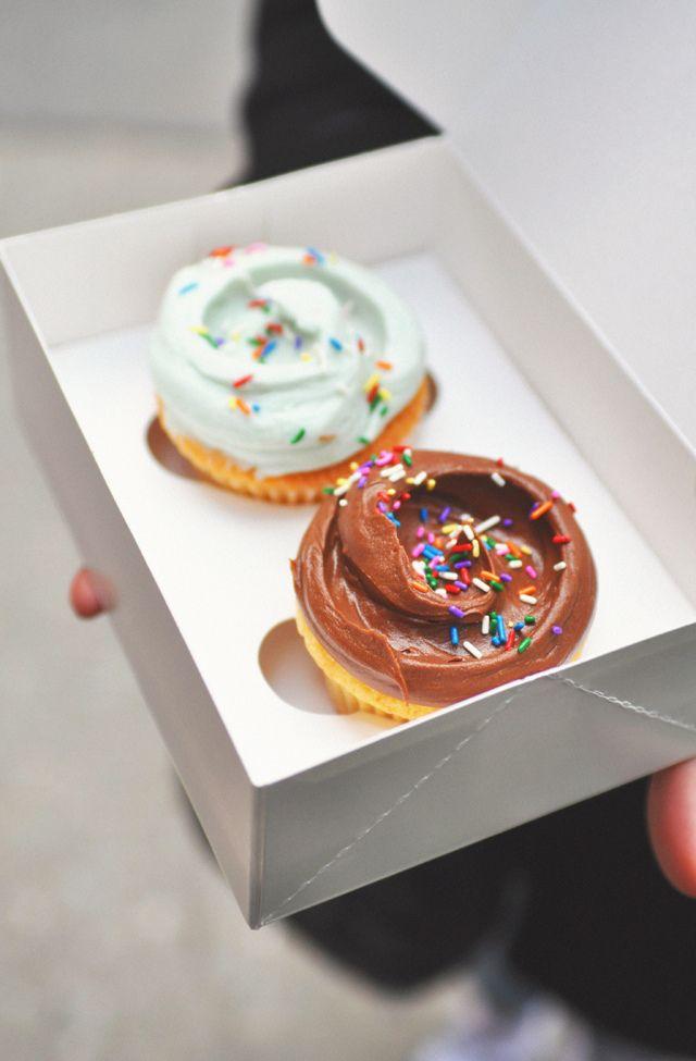 Magnolia cupcakes (by *steveH)