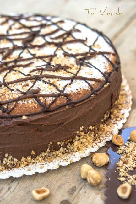 Torta di Nocciole con Crema di Cioccolato e Mascarpone