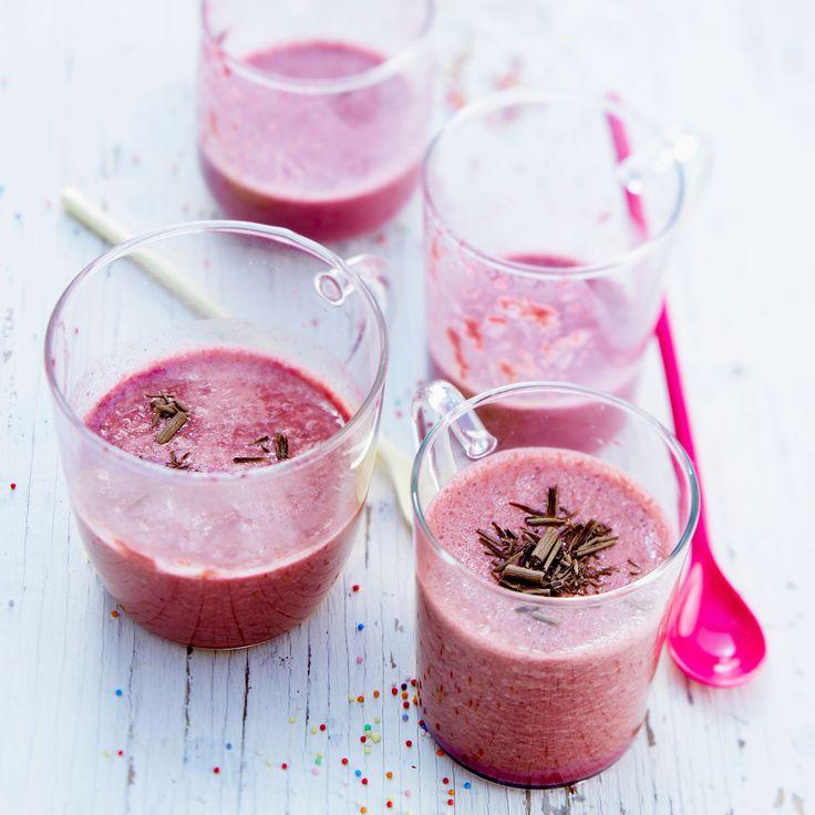 Découvrez la recette du smoothie aux cerises et copeaux de chocolat