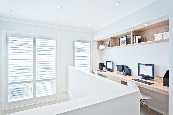 Stylish contemporary office nook in polytec Natural Oak Ravine
