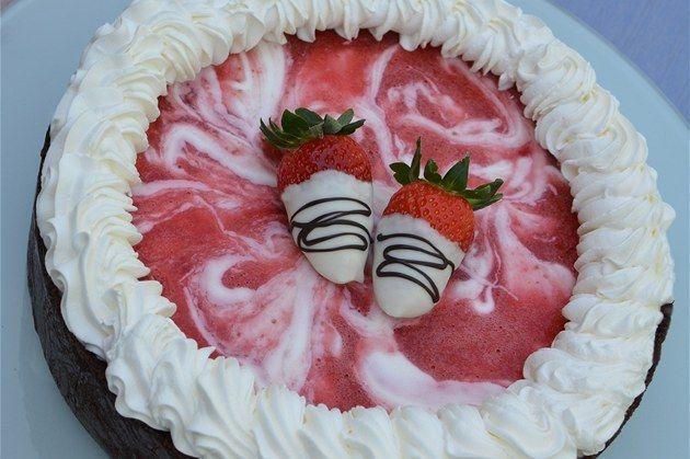 Fotogalerie: Ingredience potřebné na nepečený jahodový dort