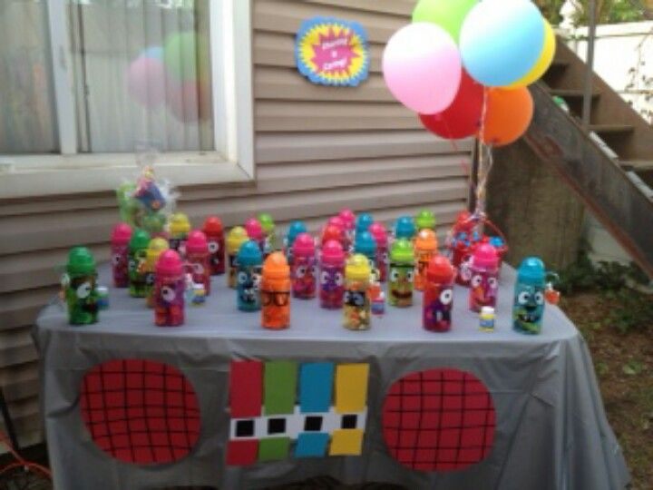Yo Gabba Gabba birthday party by betonBets@blogspot.com