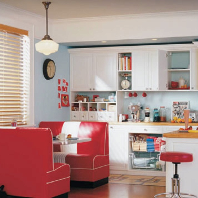 Kitchen with American diner-ish touches