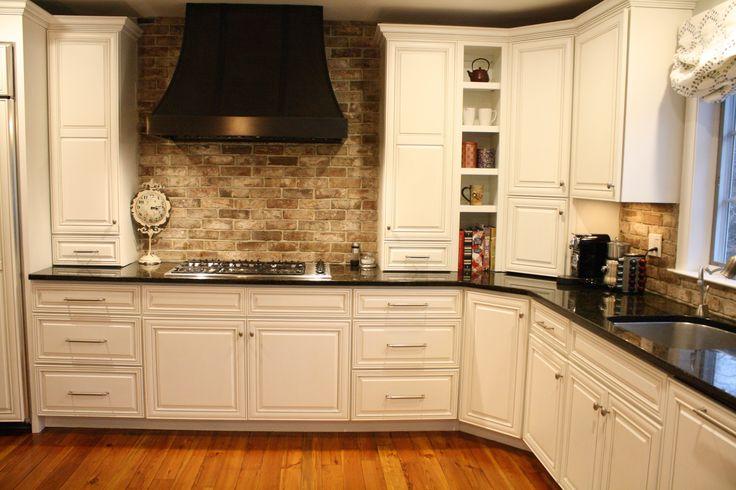 striking looking kitchen backsplash using savannah grey