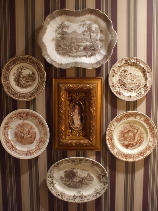 collecting brown transfer ware, and mulberryPowder Room, Kitchens Design, Design Service, Interiors Design, Brown Transferware, Custom Wall, Design Kitchens, Daily Dishes, Antiques