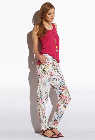 Fiori & lamponi: vestiti di motivi floreali e color lampone