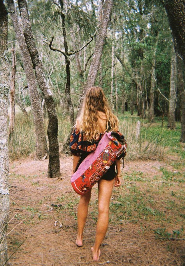 Founder of NAGNATA, Laura May, wandering through the wetlands with her yoga mat bag #NAGNATAGIRLS | www.nagnata.com