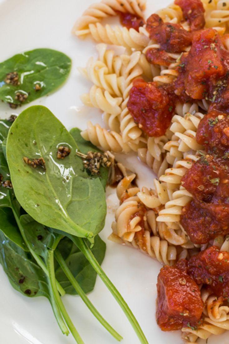 Sauce marinara : Un mélange savoureux d'ail et d'herbes. Parfait pour les pâtes et lasagnes, le poulet parmesan et les pizzas maison. C'est ça, l'amore!