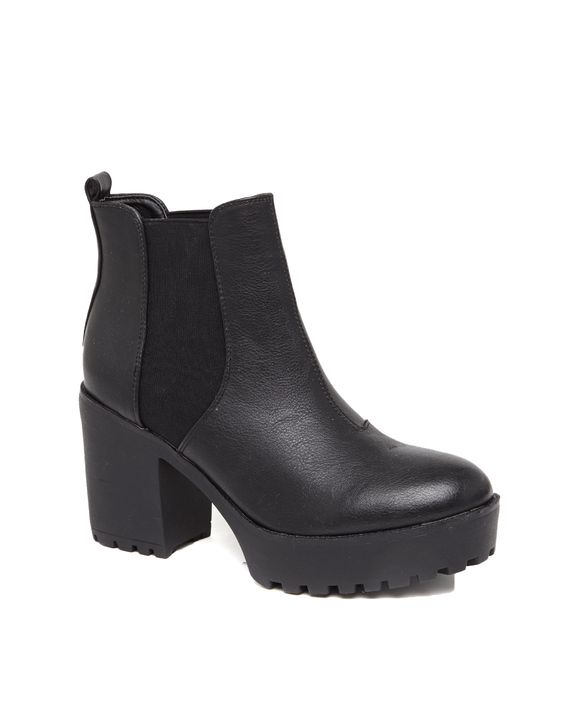 Angular Gusset Boot