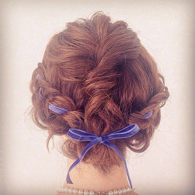 ベルベットのリボンでお嬢様感アップ!両家顔合わせ・結納の髪型「編み込み」のアイデア一覧♡