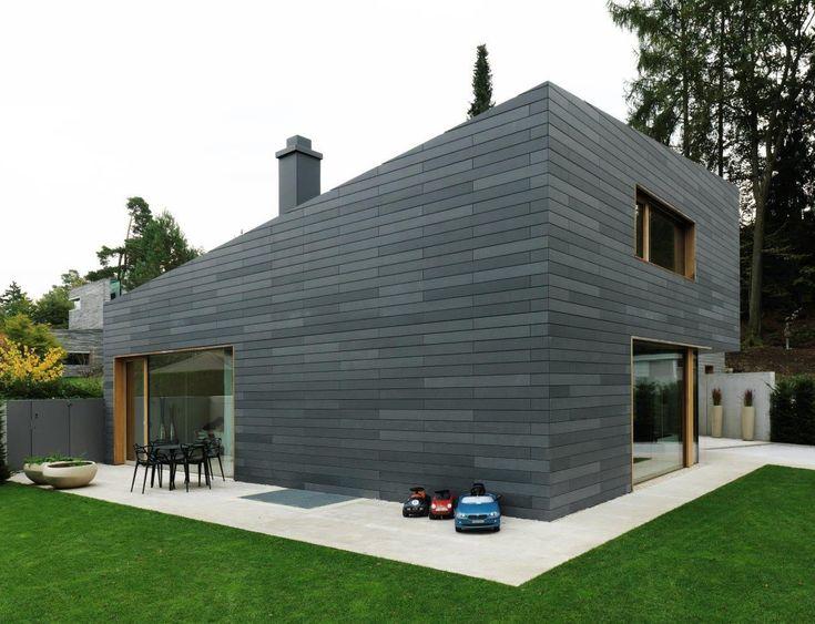 fassadenverkleidung aus beton gestrichen lamellen. Black Bedroom Furniture Sets. Home Design Ideas