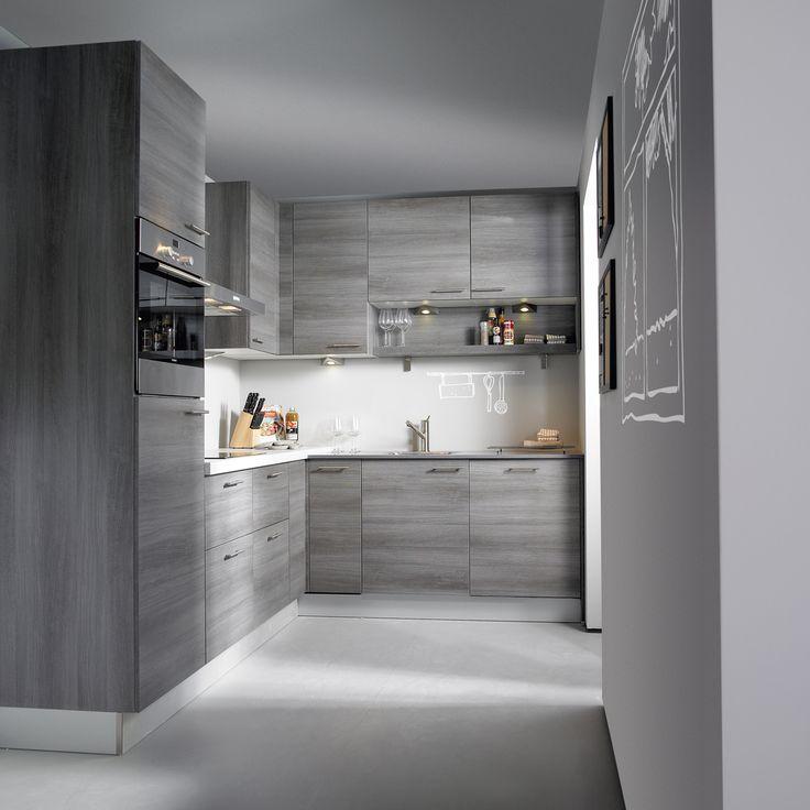 Keuken Grijs Eiken : hoekkeuken. De warme look van grijs eiken brengt sfeer in deze keuken