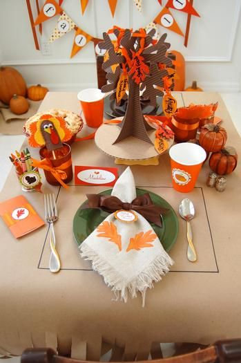 thanksgiving classroom ideas: Thanksgiving Fal, Kids Thanksgiving, Thanksgiving Kids, Tables Sets, Kids Tables, Thanksgiving Idea, For Kids, Holidays, Thanksgiving Tables