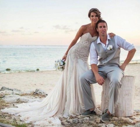 1000 ideas about beach wedding attire on pinterest for Wedding dress for beach ceremony