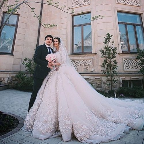 Luxury-Cathedral-Train-Ball-Gown-Wedding-Dress-Lace-Long-Sleeve-Bridal-Gowns